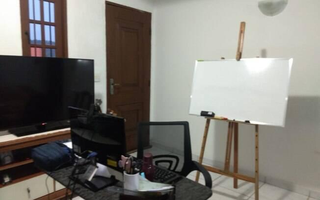 Sala de aula improvisada na casa da professora Elisangela*