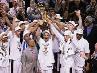 San Antonio Spurs vai em busca de mais um título da NBA