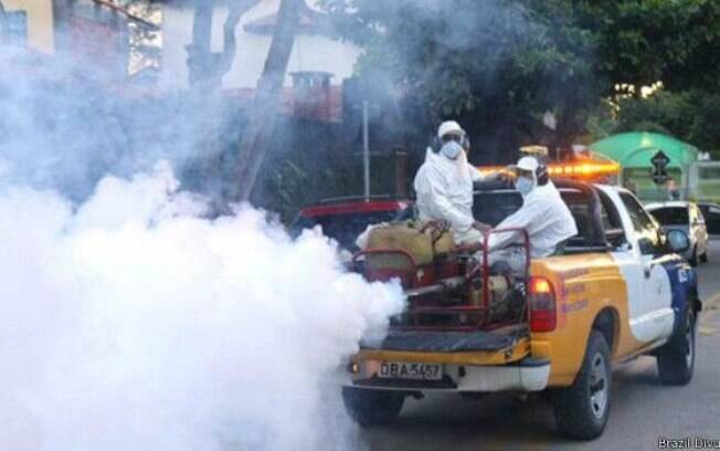 Para conter a transmissão, uma etapa fundamental é reduzir os focos do mosquito