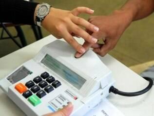 No primeiro turno, 21,6 milhões de eleitores votam nas urnas biométricas