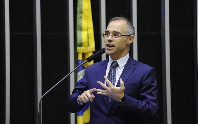 Novo ministro da Justiça é uma das referências jurídicas da bancada evangélica e também palestra em congresso de juristas evangélicos