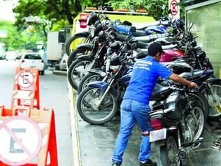 Balanço parcial. Em apenas quatro horas, 11 motos irregulares foram apreendidas no centro de BH