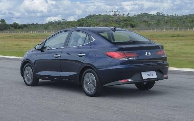 Hyundai HB20S passa a ter estilo fastback com a tampa do porta-malas mais curta que de um sedã tradicional