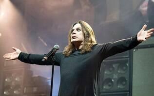 Morcego famoso de Ozzy Osbourne ganha pelúcia que perde a cabeça