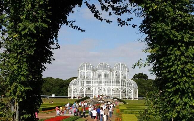Jardim Botânico é um dos pontos turísticos mais populares de Curitiba