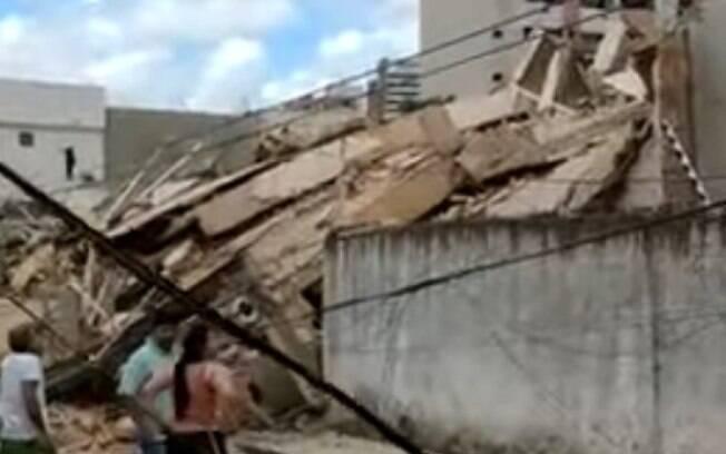 Queda de prédio deixou nove pessoas mortas