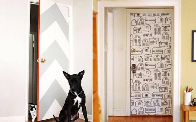 Quando aplicado a portas, o papel de parede ajuda a renovar o cômodo e trazer personalidade ao ambiente