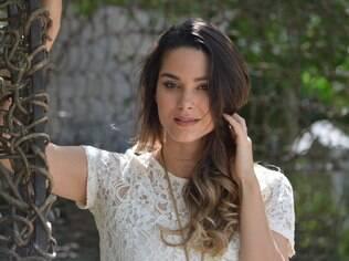 A atriz Fernanda Machado foi alvo de comentários na internet após afirmar que usa uma cinta para esconder a gravidez