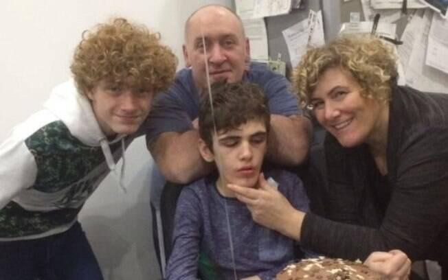 A família Torrance celebrou o 12º aniversário de Dylan nove anos depois de ele ser diagnosticado