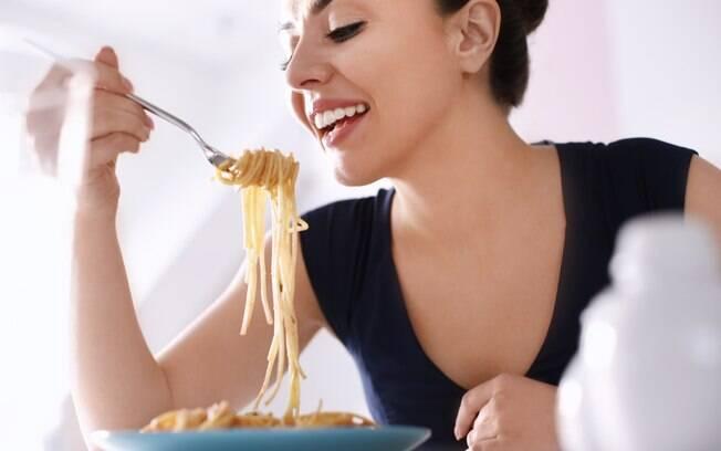 Diferentemente do que normalmente se pensa, o macarrão pode ser um bom alimento para incluirmos na nossa dieta