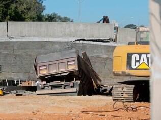 Imagem do viaduto que caiu na avenida pedro I, no bairro São João Batista, na região de Venda Nova, em Belo Horizonte, na quinta-feira (3)