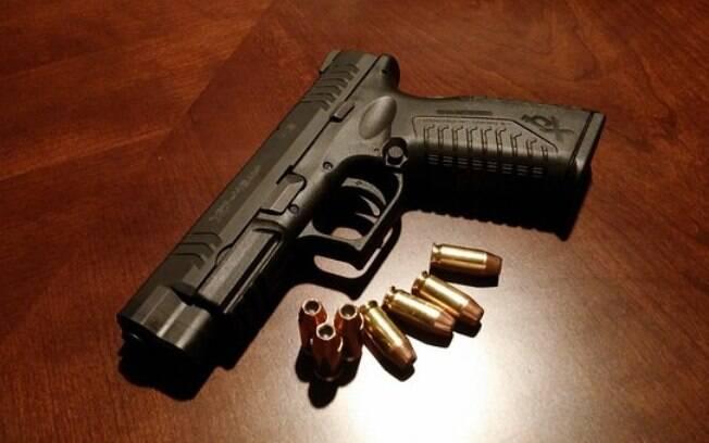 Aprovado em dezembro de 2003 por Lula, o Estatuto do Desarmamento não proíbe a posse de arma por completo