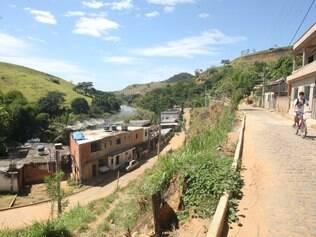 Em Natividade, quase todas as casas do bairro Parque Lajinha sofreram rachaduras provocadas por detonações de rochas para implantação do mineroduto. Foto: Mariela Guimarães
