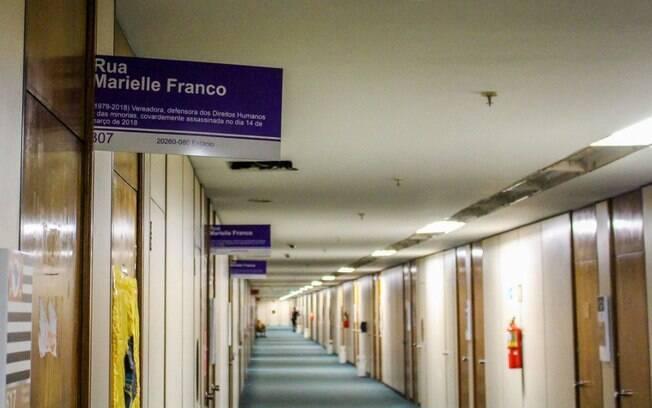 Apelidado de 'corredor Marielle Franco', sexto andar da Câmara dos Deputados conta com placas com nome da vereadora