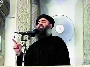 Pregação. Abu Bakr al-Baghdadi discursa em mesquita no Iraque