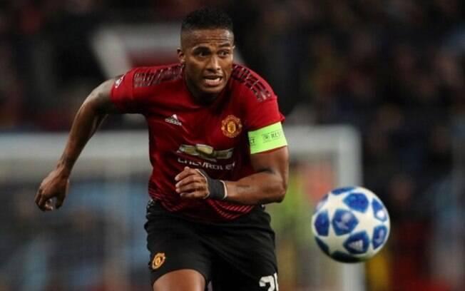 O lateral-direito Antonio Valencia deixou o Manchester United