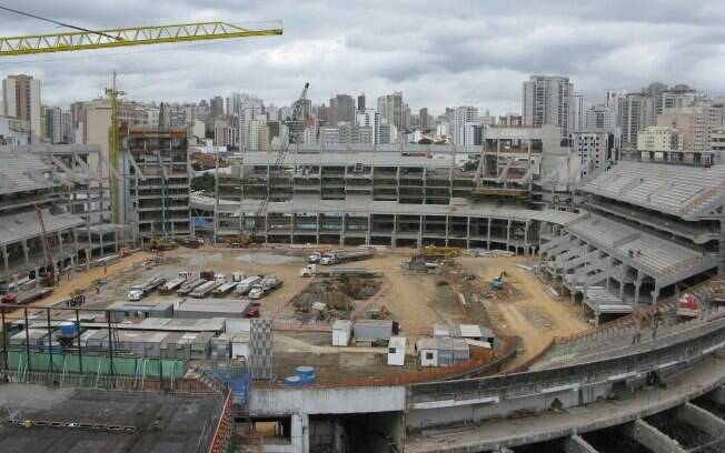 Com a construção das arquibancadas, Nova  Arena do Palmeiras vai tomando forma