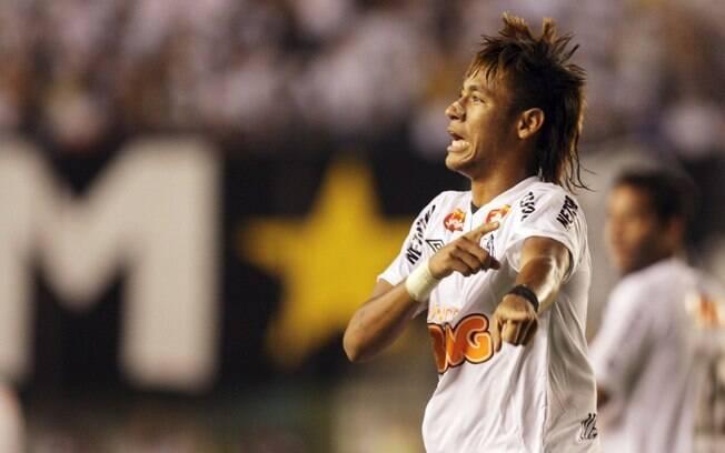 7 de março de 2012 - Neymar fez os três gols  da vitória por 3 a 1 sobre o Internacional na  Libertadores. Um deles concorreu ao prêmio da Fifa  de mais bonito do ano