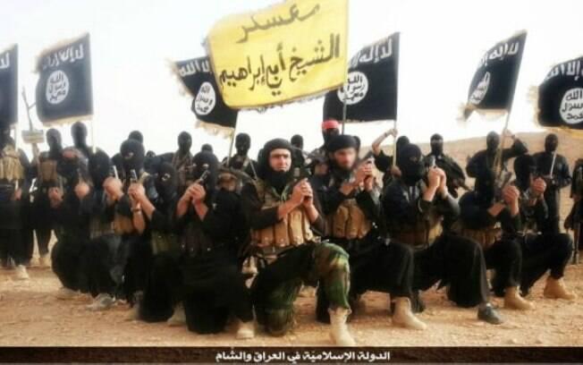 Militantes do Estado Islâmico, contra o qual países como a França e a Rússia declararam guerra