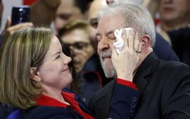 Lula manifestou apoio à reeleição de Gleisi Hoffmann