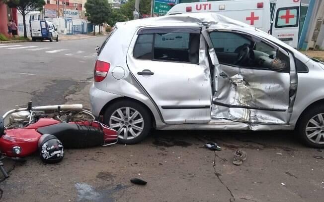 Motociclista fica em estado grave após bater em carro em Valinhos