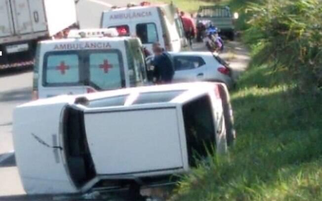 Vazamento de óleo em rodovia provoca dois acidentes em Jaguariúna