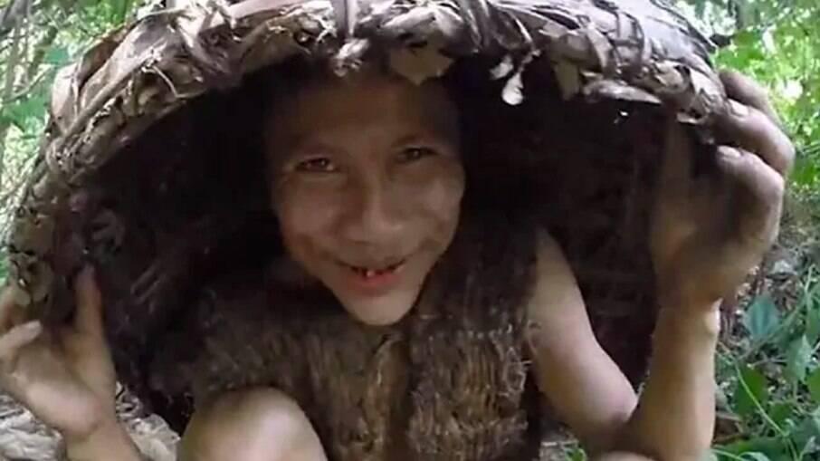 Ho Van Lang e seu pai fugiram para a floresta em 1971