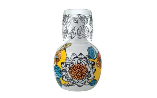 Moringa Frida, de porcelana com copo de vidro, da We, R$ 108,90, na Artmix