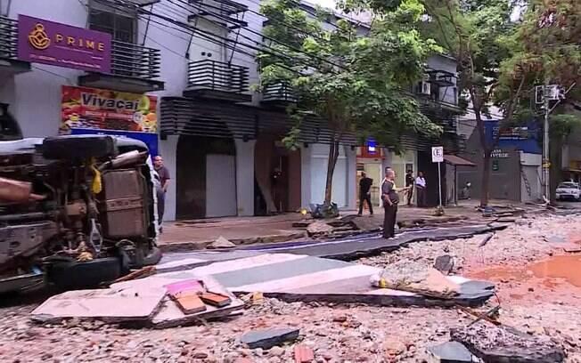 Chuva causou destruição em diversos pontos da cidade mineira