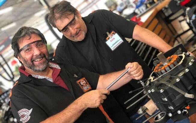 Para montar ou desmontar, seguir a sequência de aperto recomendado pela Harley-Davidson é fundamental