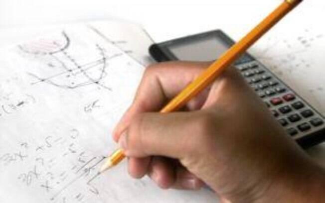 Em matemática, 70,25% dos estudantes brasileiros estão abaixo do adequado, contra 0,13% no maior nível