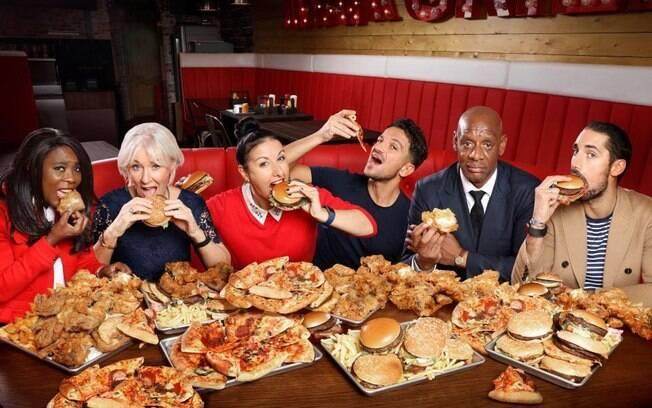 Um grupo de britânicos passou 21 dias comendo apenas fast food e contam como ficou o corpo e a mente deles
