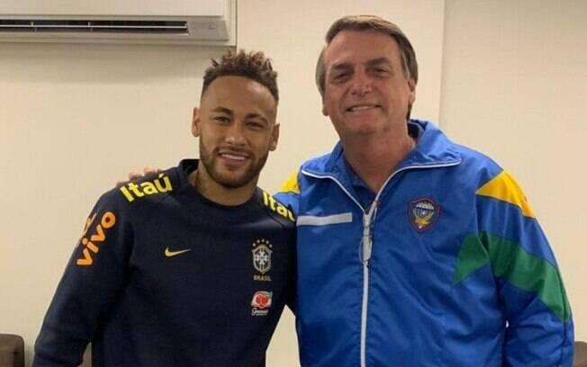 Bolsonaro visitou Neymar no hospital após lesão