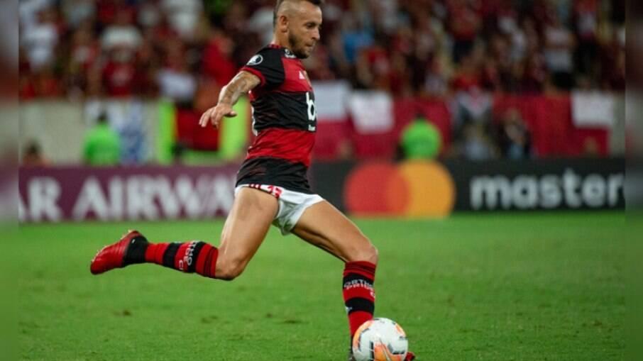 Rafinha relembra conquista da Libertadores pelo Flamengo: 'Dá uma saudade'