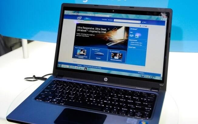 HP Folio 13 foi um dos ultrabooks expostos no estante da Intel durante a Consumer Electronics Show 2012