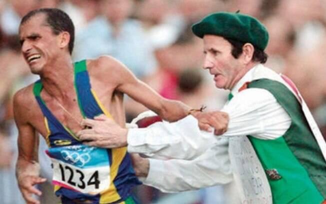 Uma das imagens mais absurdas e inesquecíveis da história olímpica