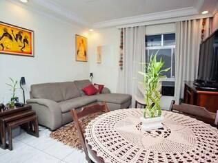 Depois da insistência de Marina, casa de Adriano ganhou nova mobília, decoração e até plantas