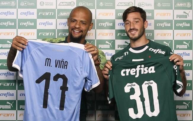 Felipe Melo troca camisas com Viña no Palmeiras