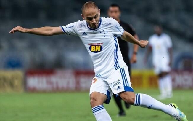Guarani confirma chegada de meia do Cruzeiro
