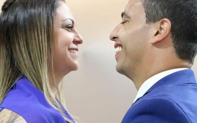 Rogério Lins e a esposa Aline foram atingidos por explosão de fogueira em Festa junina. Prefeito de Osasco de pronunciou no Instagram