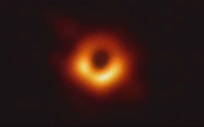 Primeira foto de um buraco negro foi divulgada pela Fundação Nacional de Ciência dos Estados Unidos