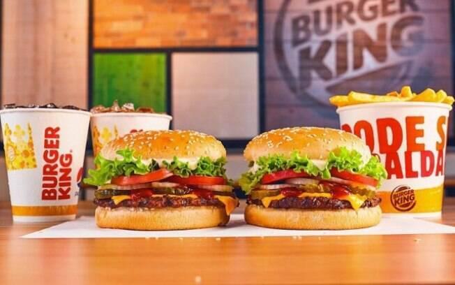 Burger King dará um sanduíche Whopper a quem for de vassoura e máscara em uma unidade do restaurante com drive-thru no Halloween