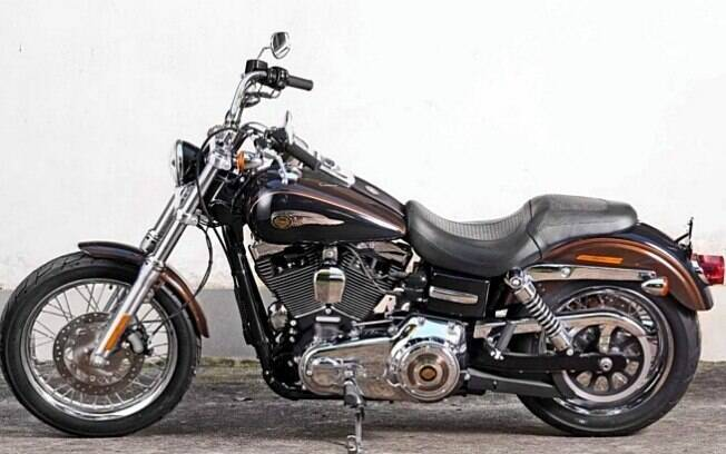 Harley-Davidson dada de presente ao Papa, também abençoada pelo líder do Vaticano, foi vendida na mesma casa de leilões