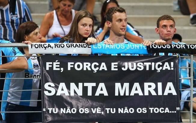 Torcida do Grêmio demonstrou luto pela  tragédia em Santa Maria