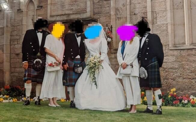 Mãe e irmã do noivo usam branco no casamento