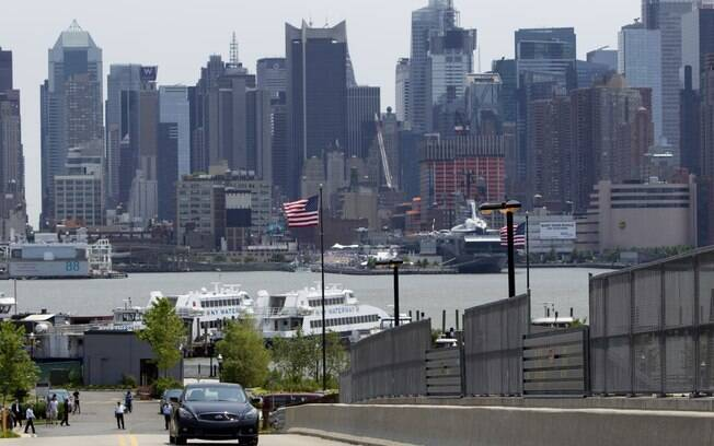York Auto Group >> Vettel faz exibição com carro esportivo em Nova Jersey ...
