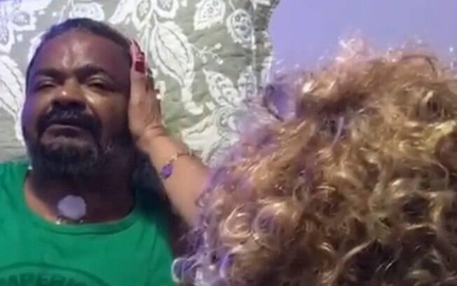 Em recuperação, Arlindo Cruz recebe visita da amiga Alcione e momento emociona na web