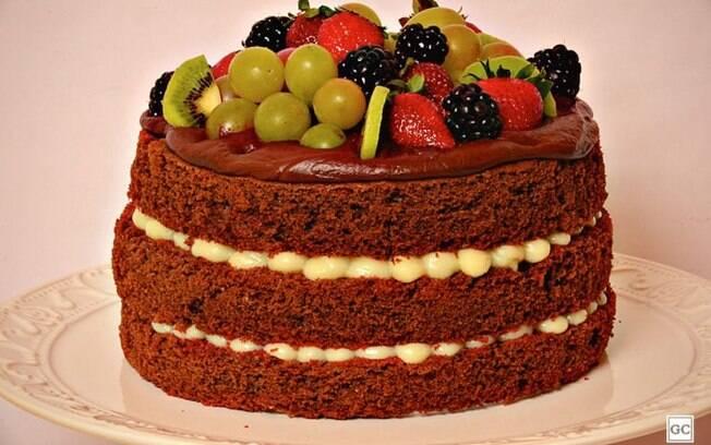 Naked cake tropical para surpreender na sobremesa