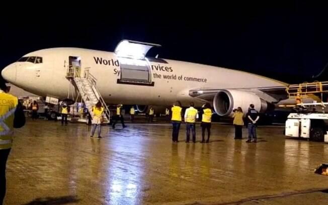 Terceiro lote da vacina Pfizer chega no Aeroporto de Viracopos