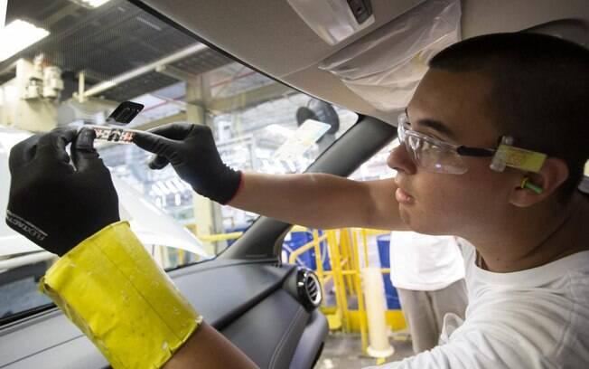 Instalação do Sem Parar ocorre ainda na fábrica da Nissan